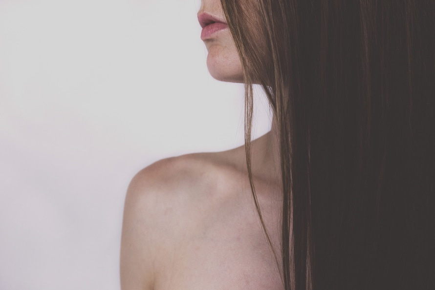 妳的髮絲和迷人的曲線