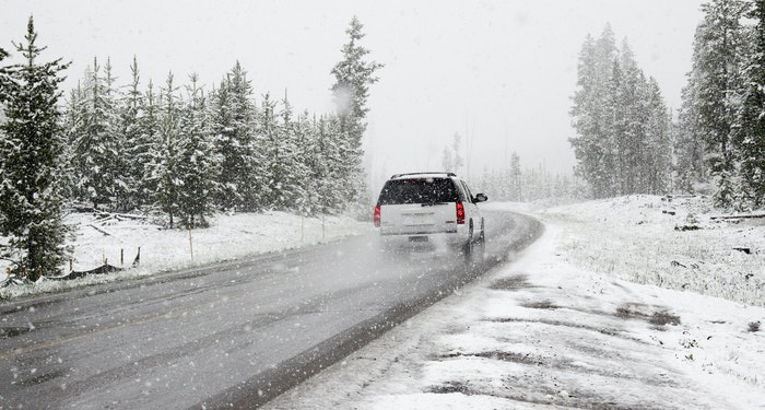 driving in the summer and winter Warm weather brings summer driving hazards 4 summer driving hazards to be aware of while the winter season is often associated with risky driving conditions.