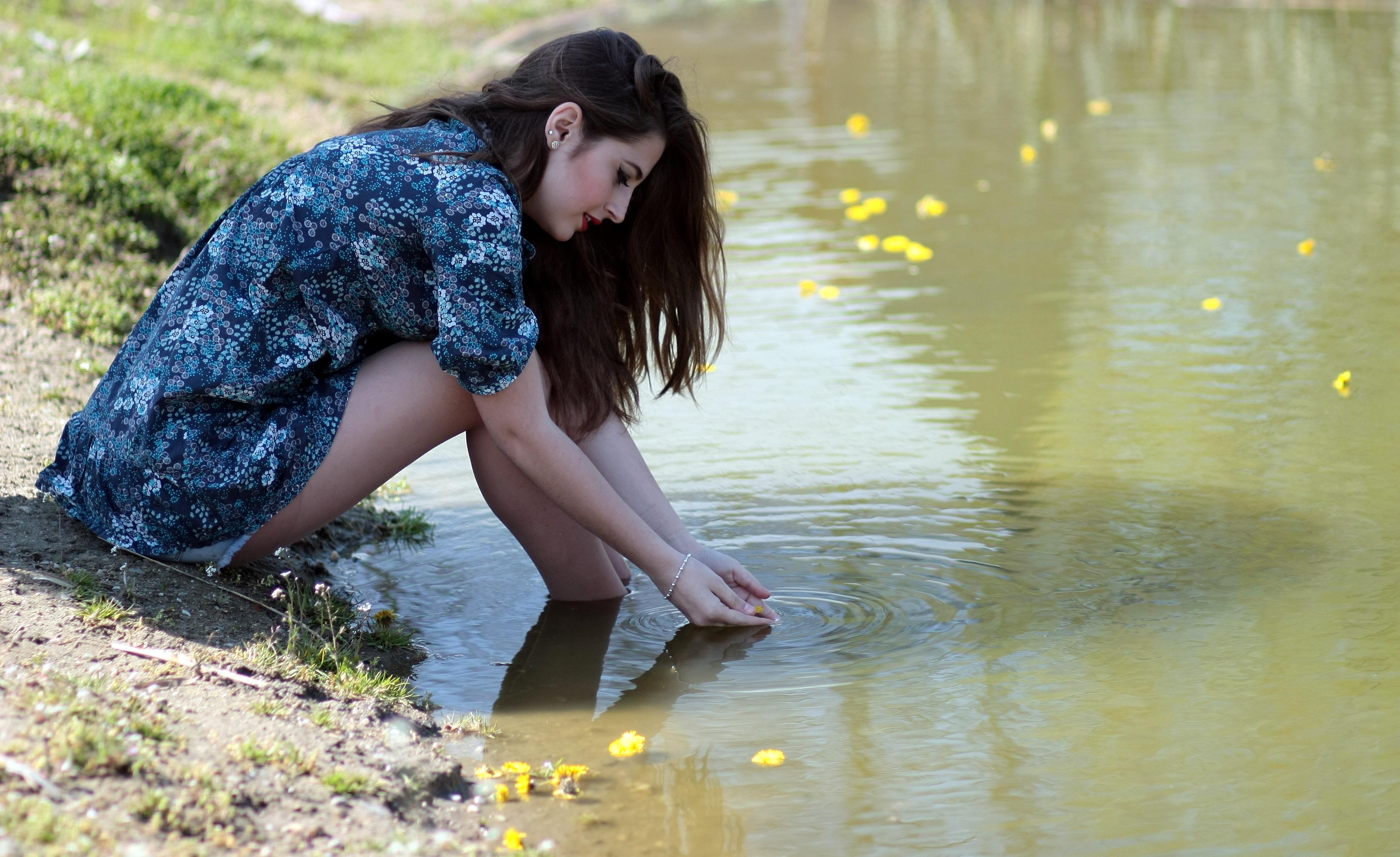 girl-water-flowers-beauty-160673.jpeg (4244×2597)