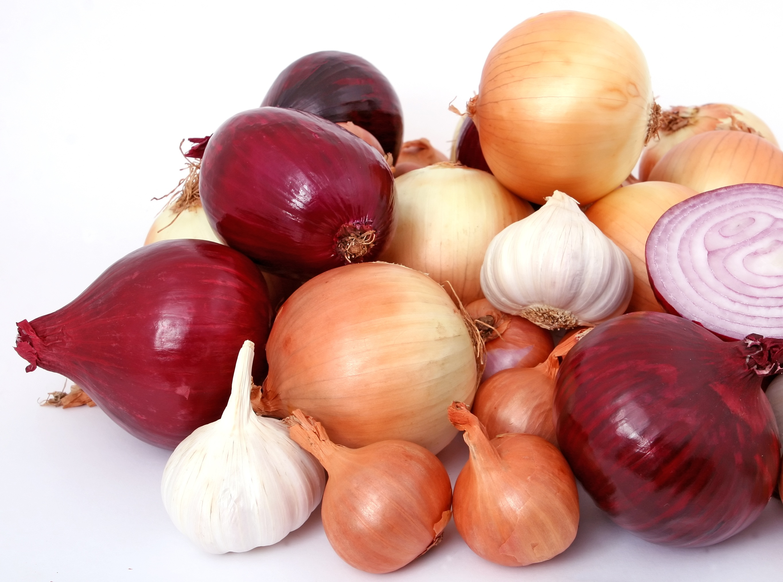 Garlic and onions are great for fighting off bacteria and fungi.