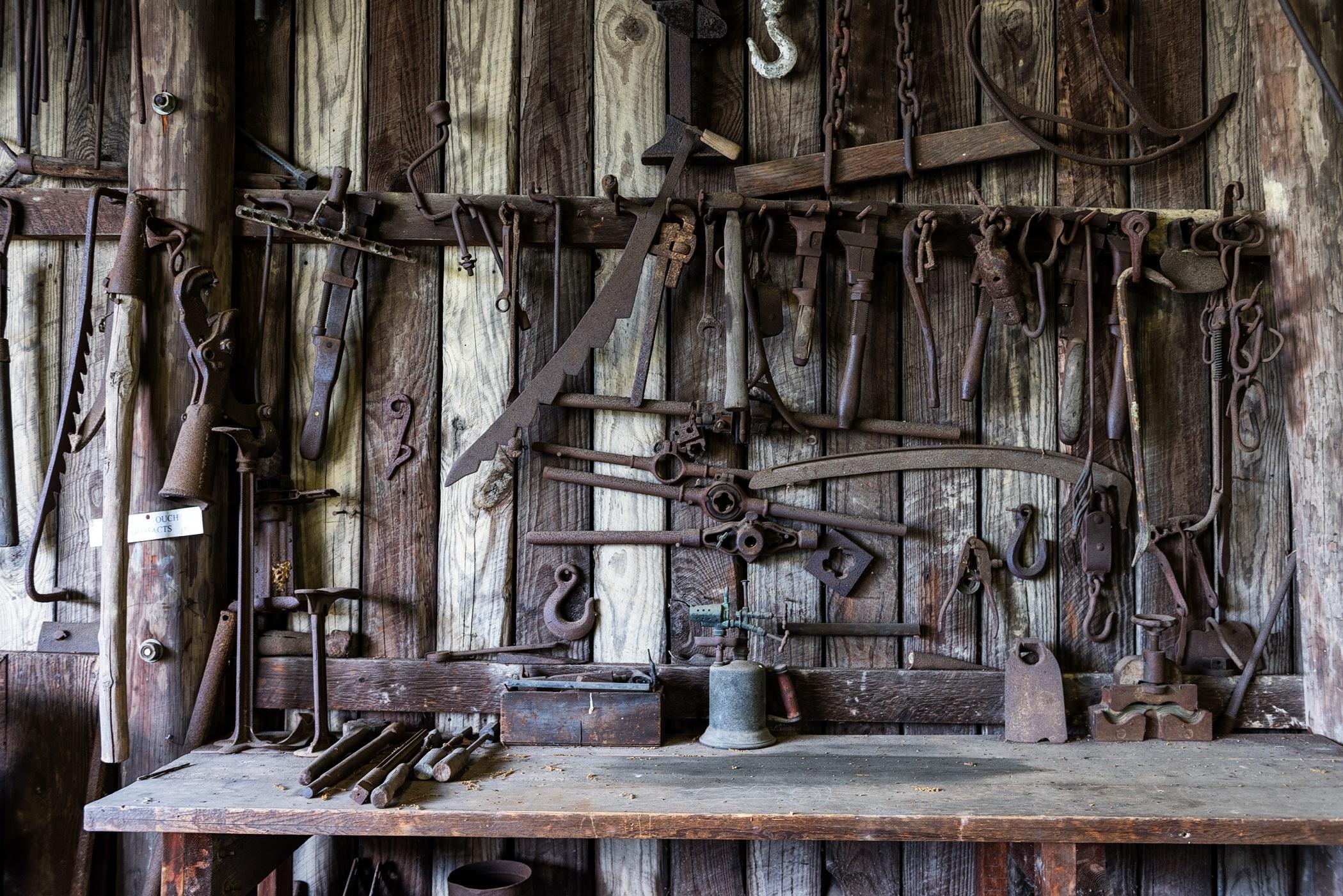Free stock photos of tools · Pexels