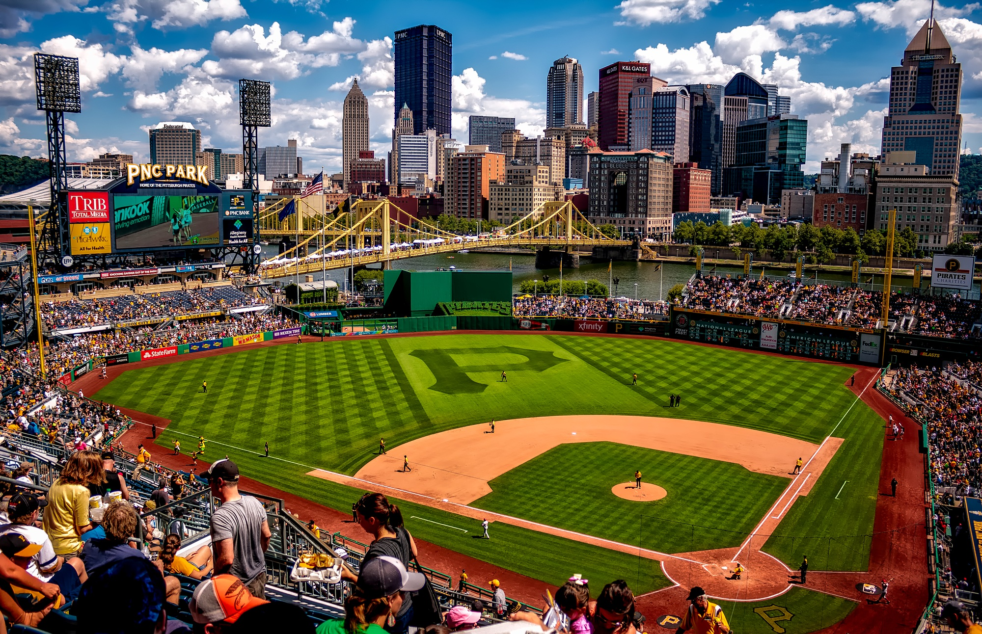 https://static.pexels.com/photos/163254/pnc-park-pittsburgh-pennsylvania-city-163254.jpeg