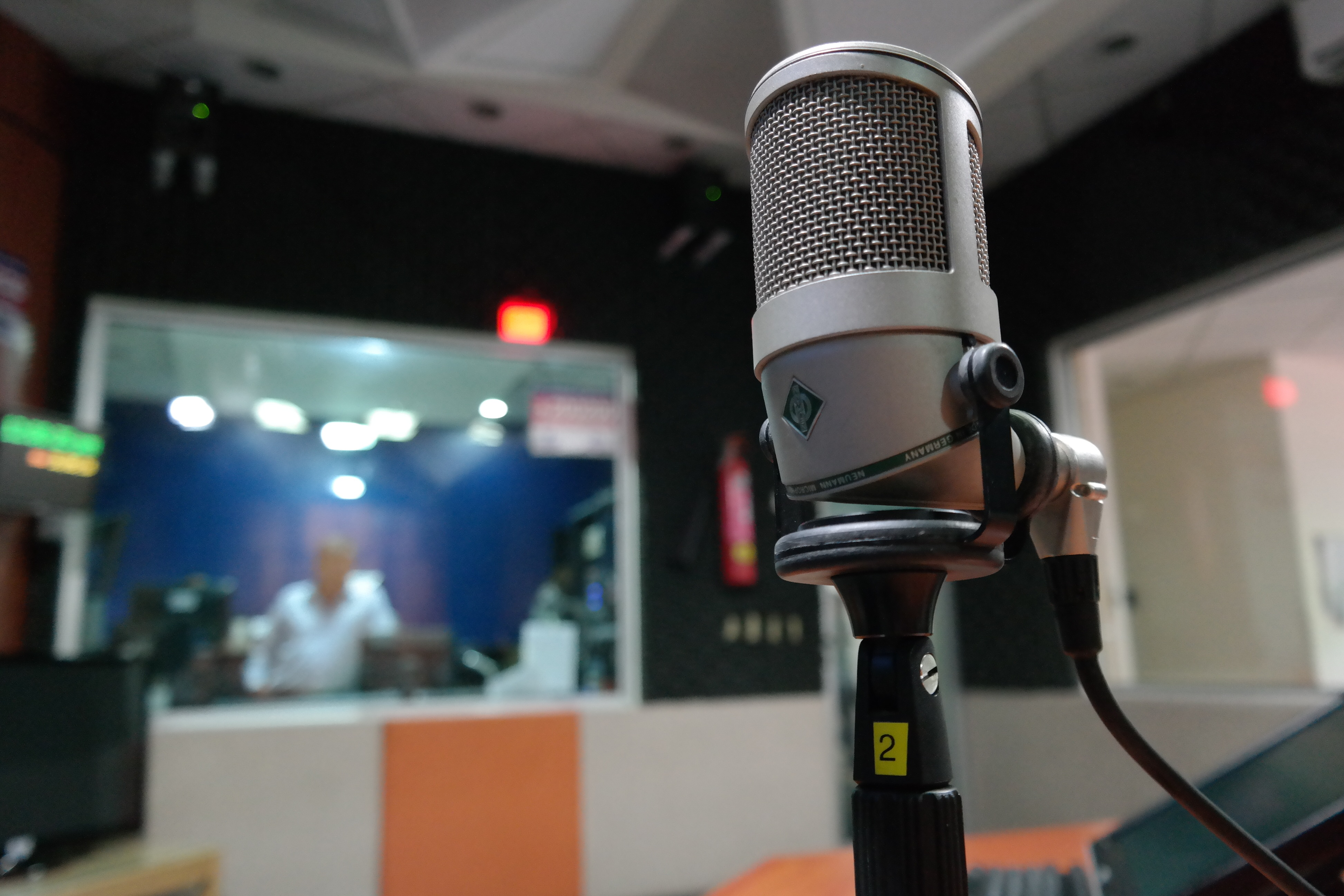18 Tips For Running A Great Recording Session Studio Live Setup 2010 Neumann Condenser Microphone In