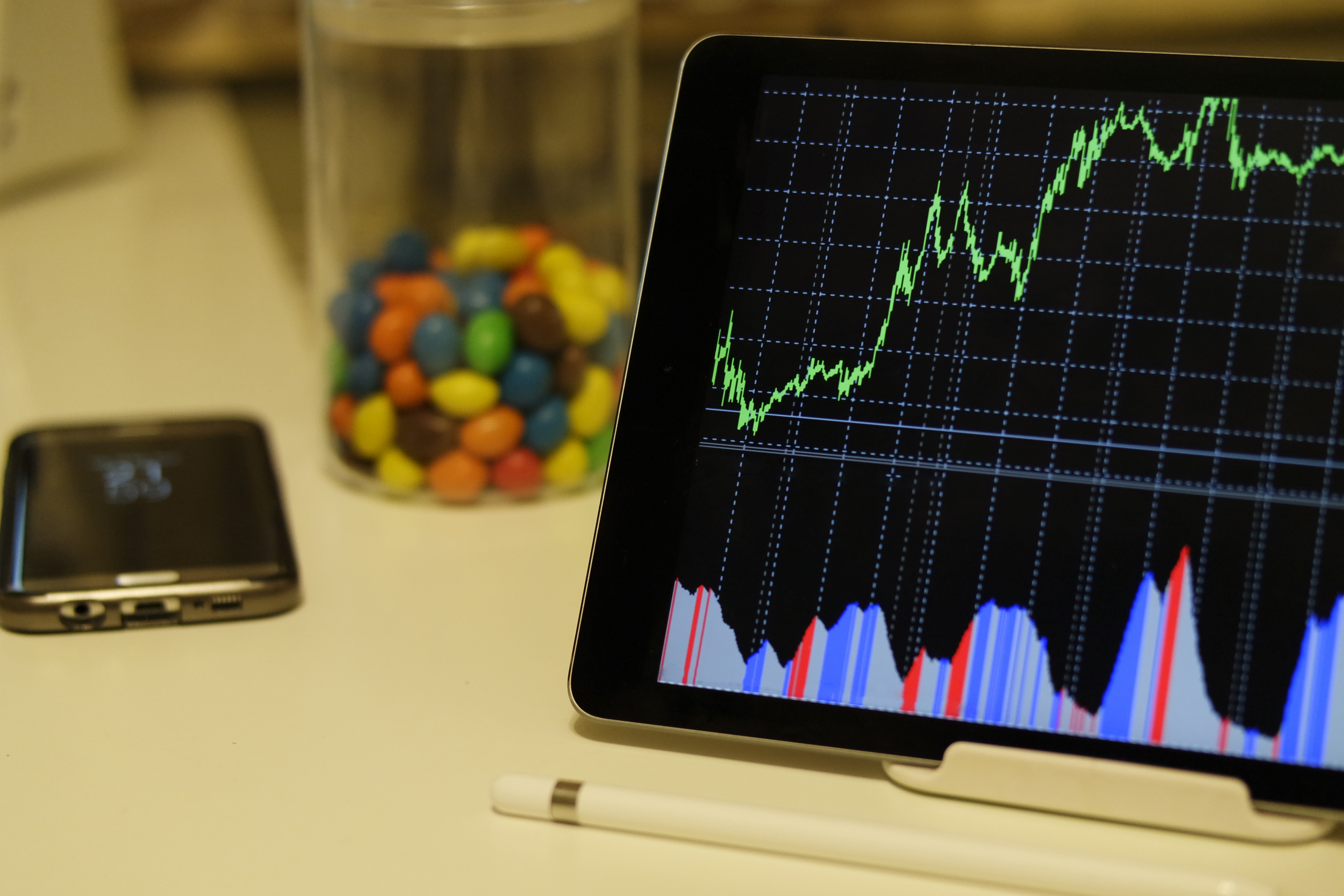 Android Stock Chart Appannual Stock Market Returns Chart: White Android Tablet Turned on Displaying a Graph · Free Stock Photo,Chart