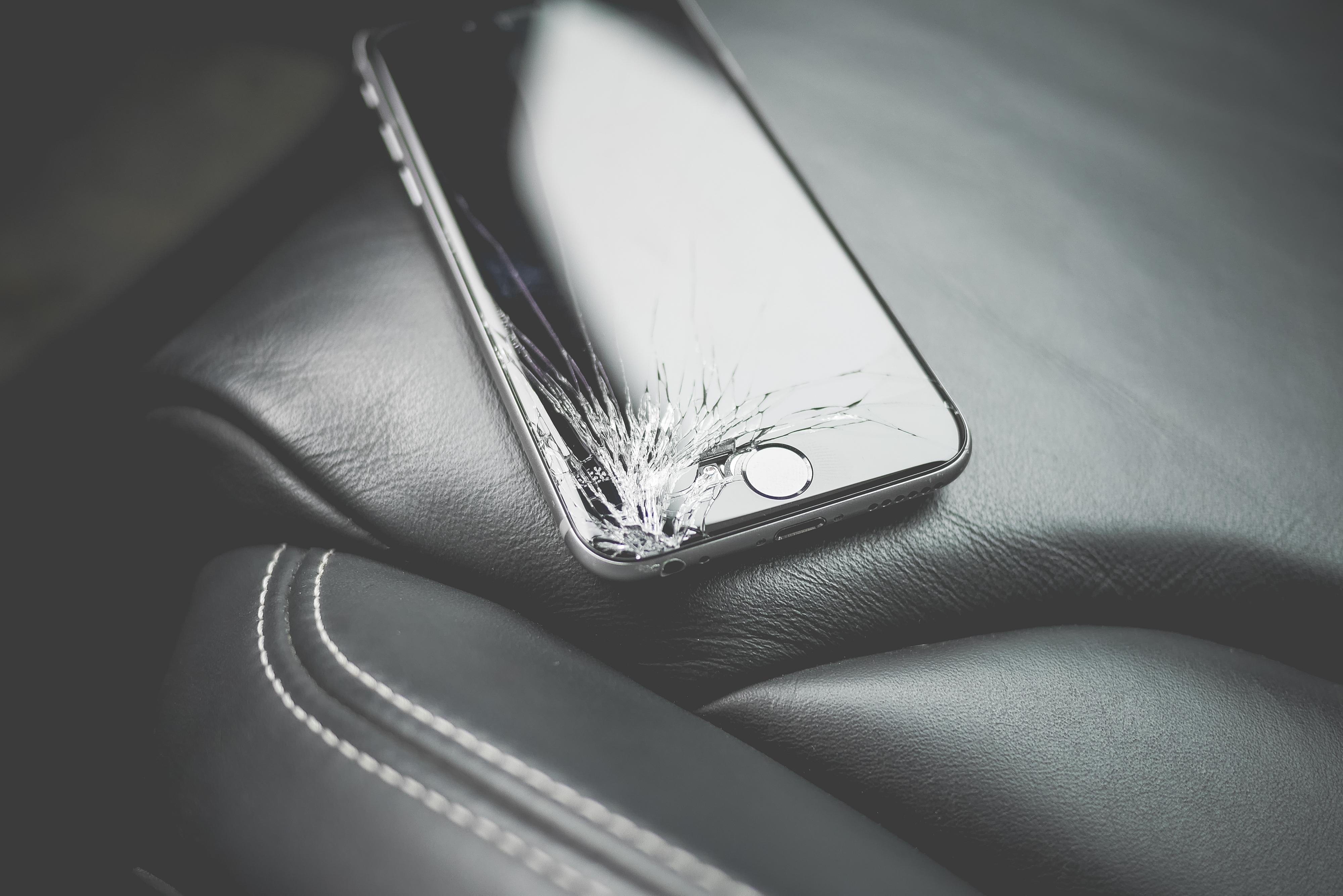 iphone schermo rotto