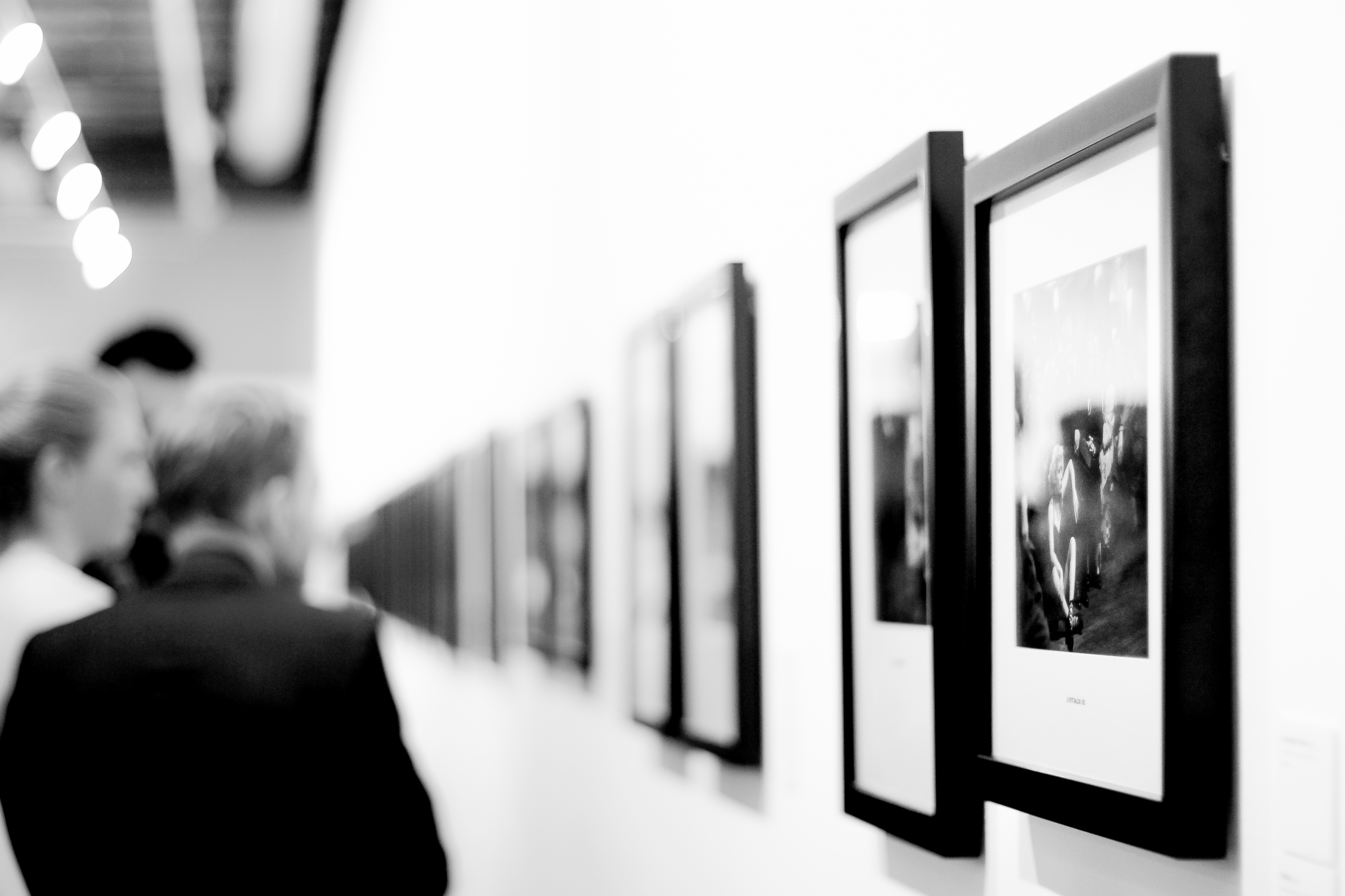 Photographystockphoto photographystockimages photographystock picture - Free Stock Photo Of Black And White People Art Museum