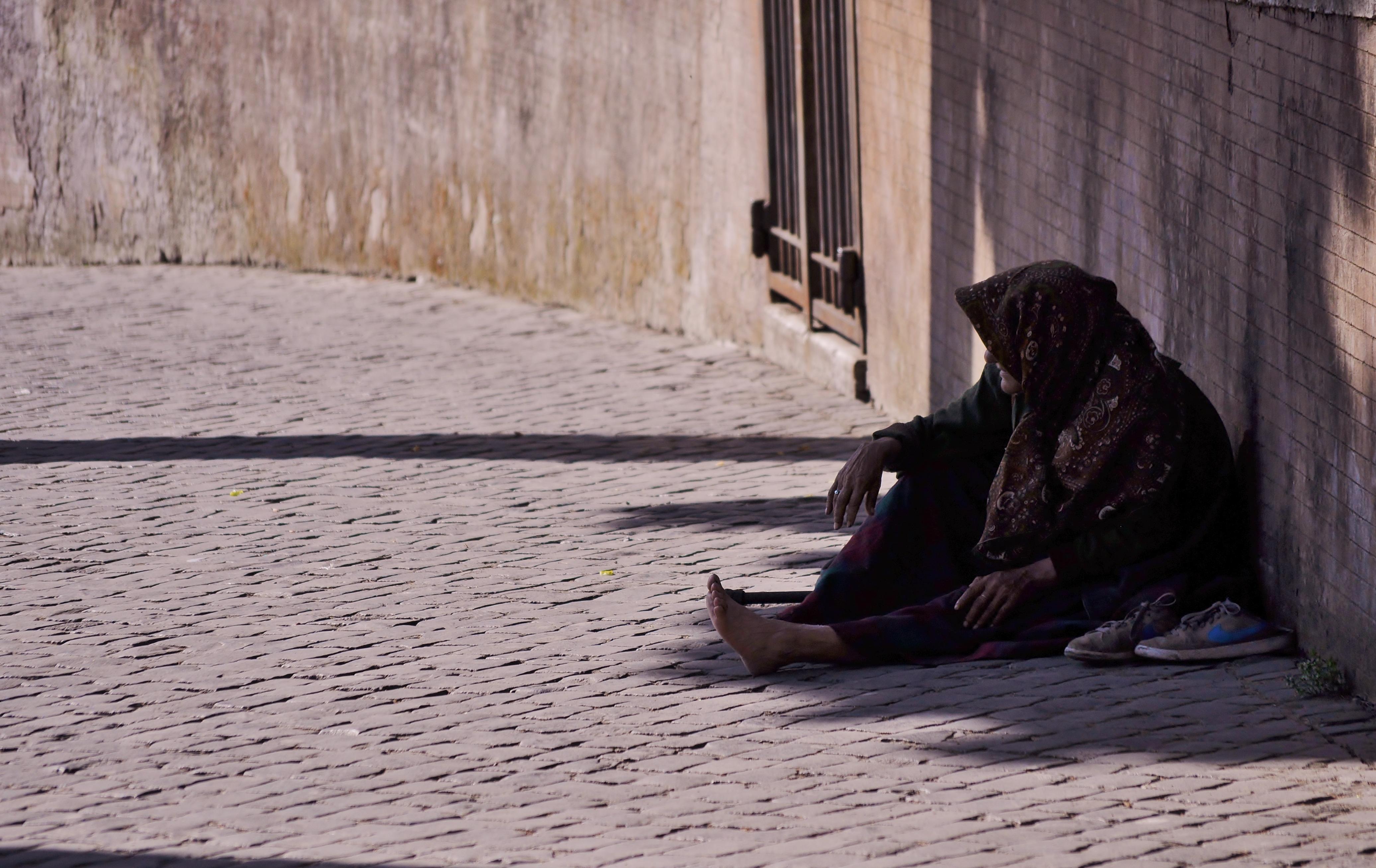 Aiuto indigenti
