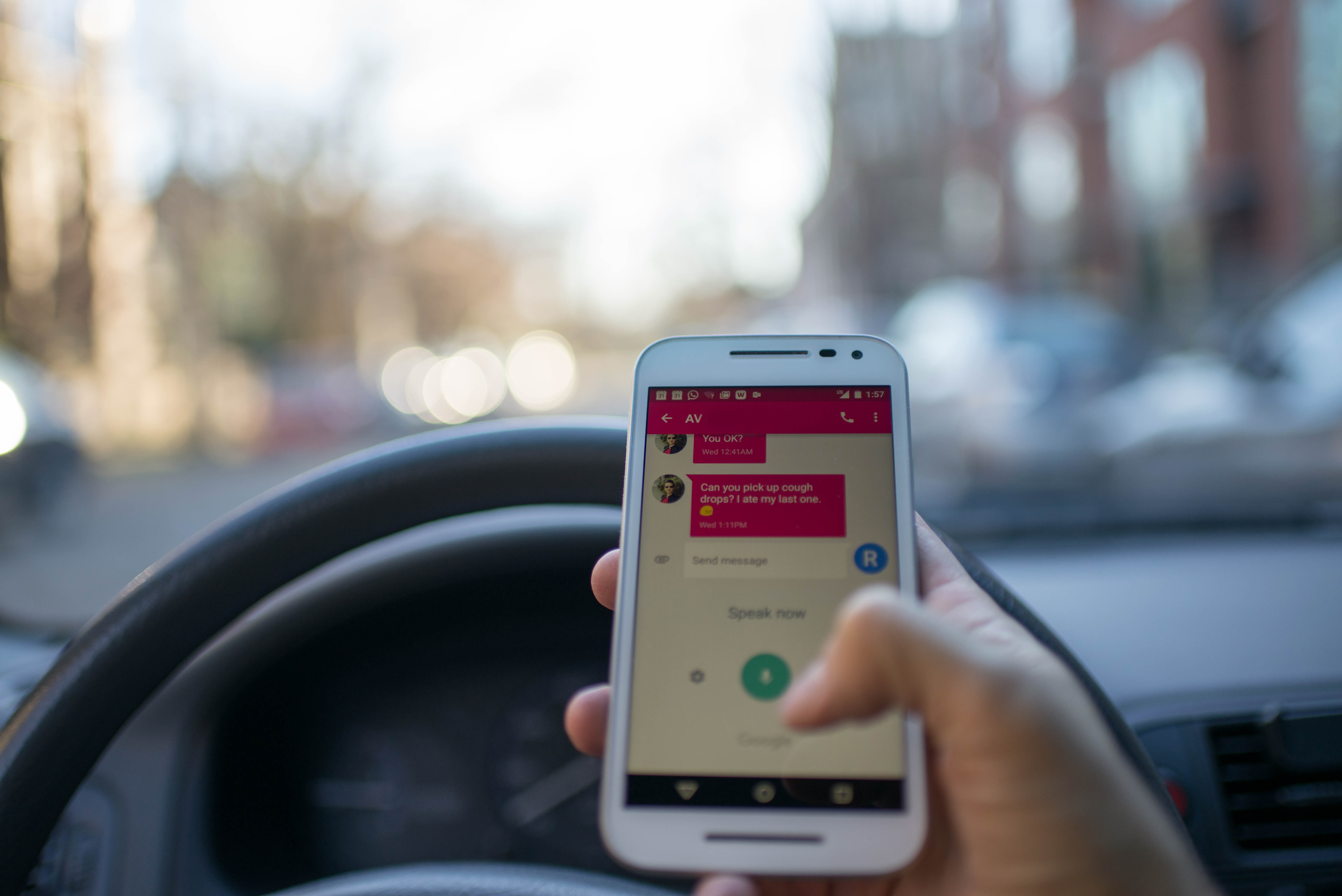Traffic lawyer seattle wa dellinolaw reminder for your morning commute new distracted driving law in wa state is in effect dui e solutioingenieria Choice Image