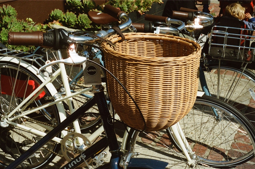 motos, vélos, transport