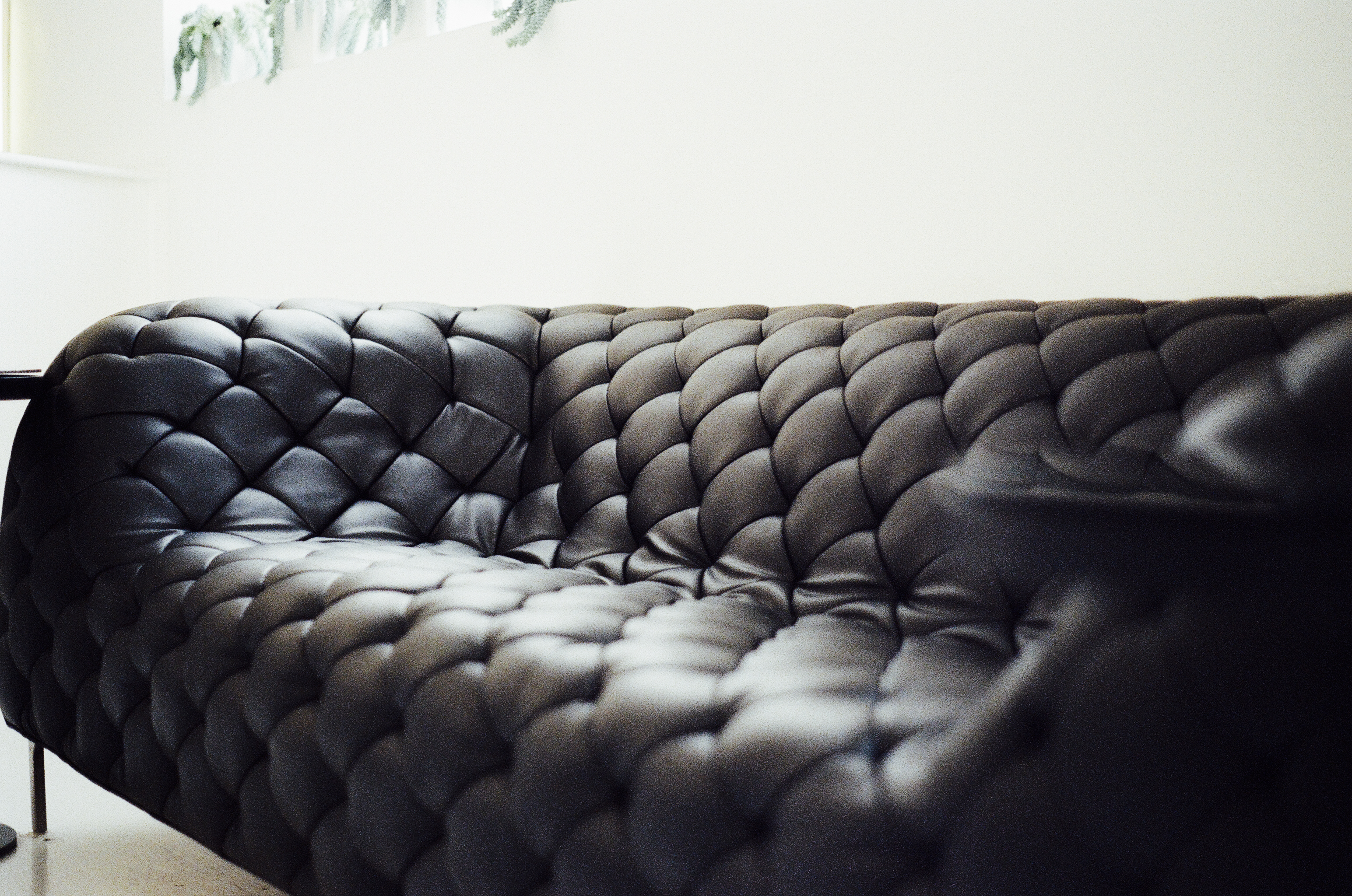 GUIDE TO BUY THE BEST LEATHER SOFA – bankster
