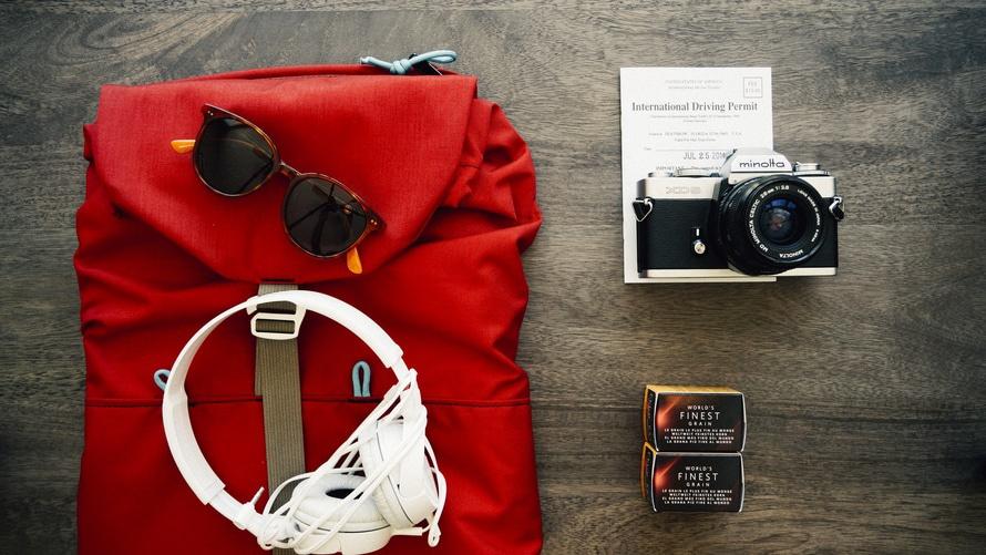 clothes travel voyage backpack large Почему Вам нужно переехать хотя бы один раз в жизни