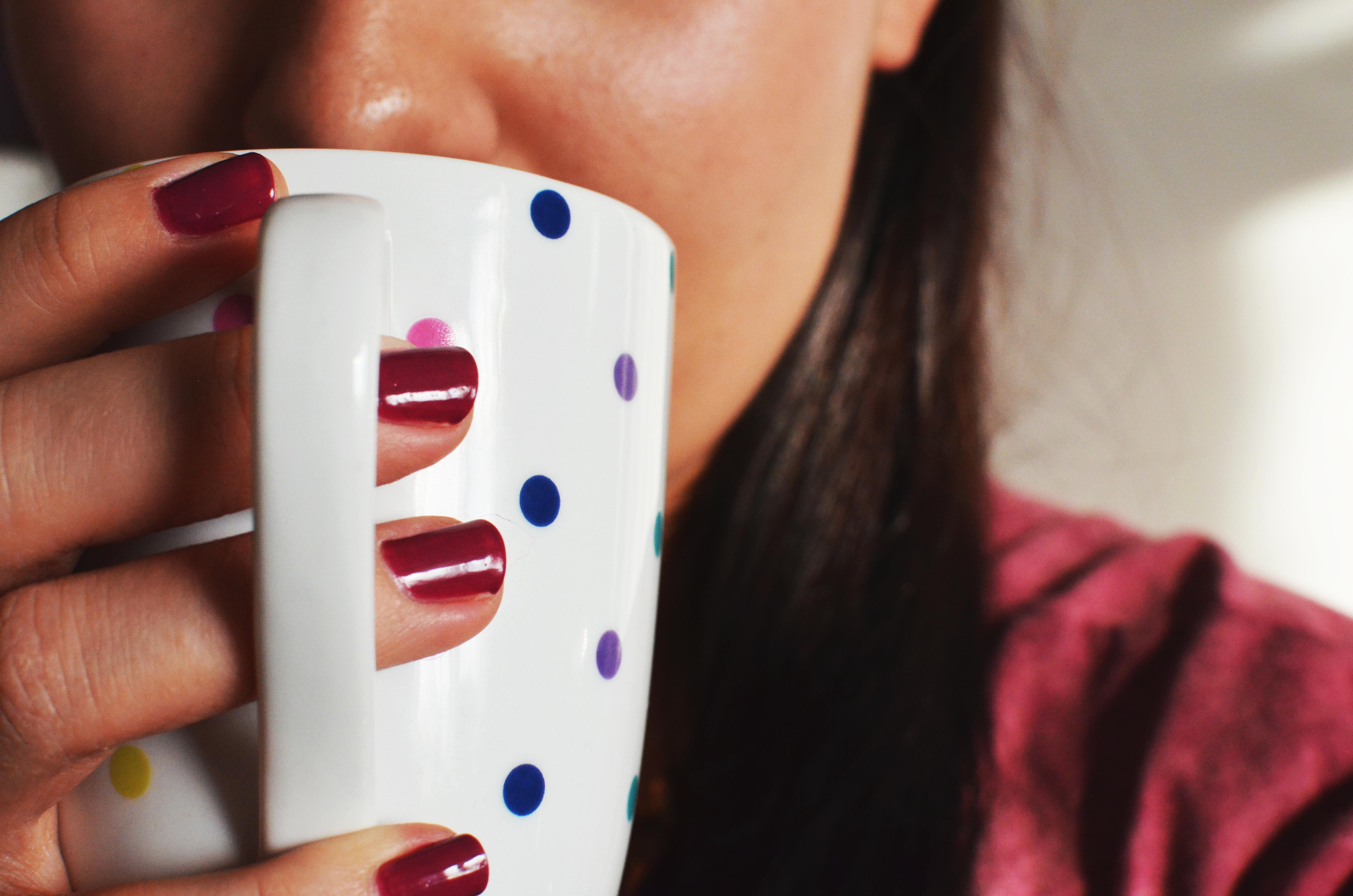 woman-coffee-cup-mug.jpg (4928×3264)