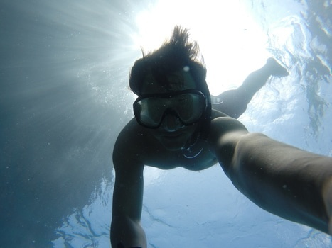 Free stock photo of man, swimming, underwater, diving