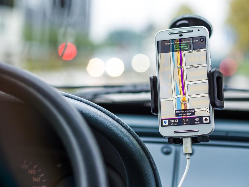 smartphone, charging, car