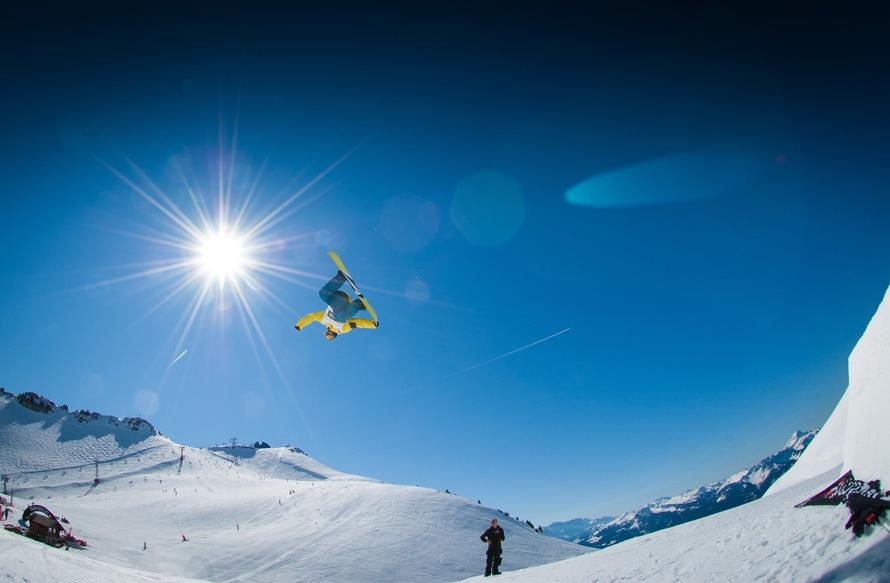 Skigebiet Sprung Snowboarder