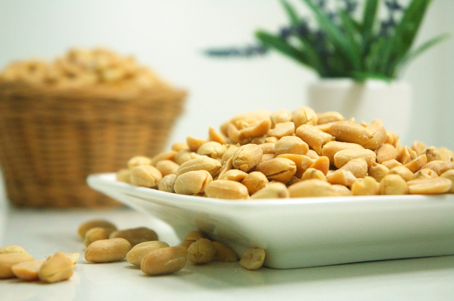 help us to add even more great photos hosting that many images is not ...: https://www.pexels.com/photo/food-plate-nuts-peanuts-39345