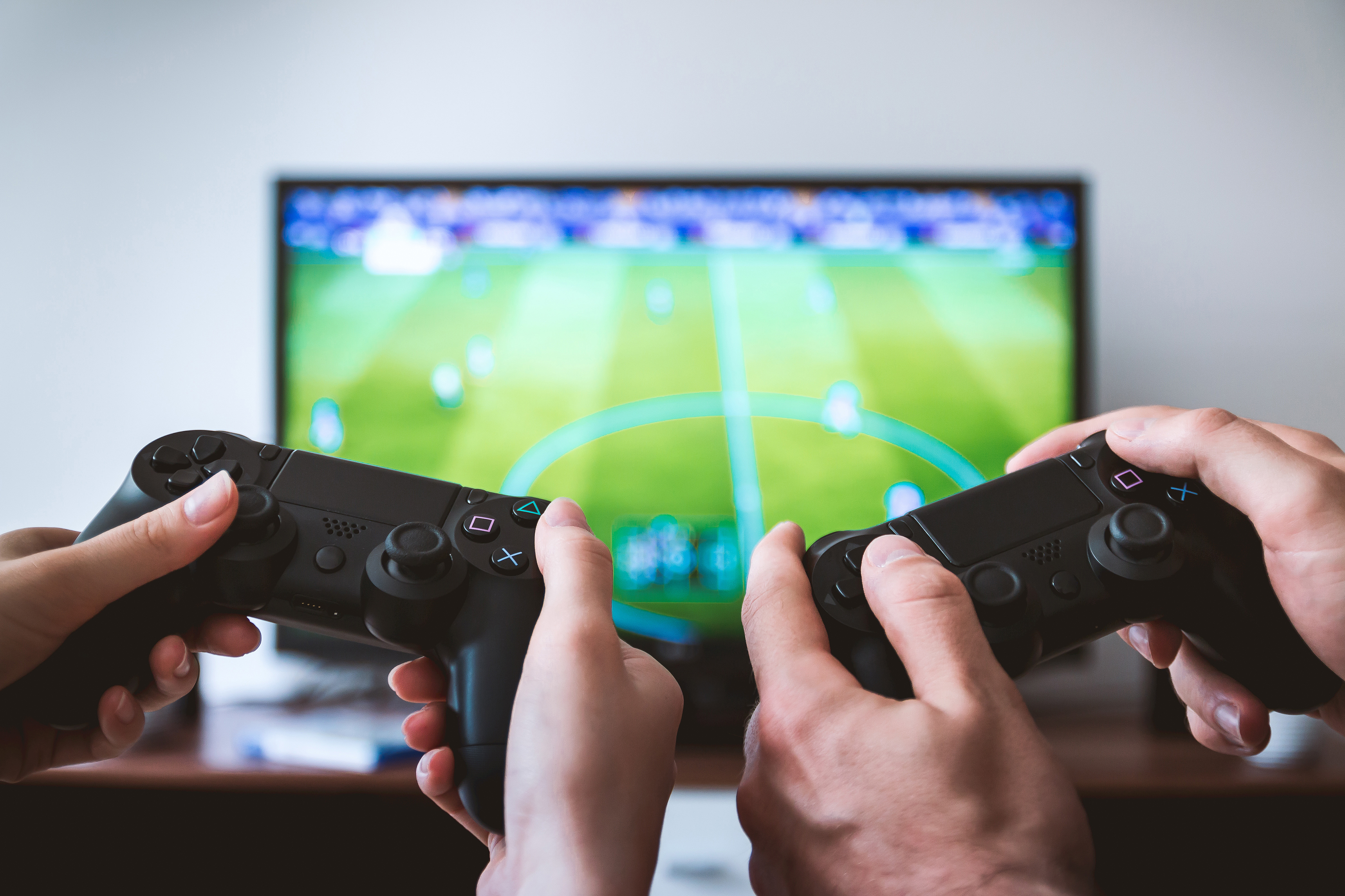sports on television essay Ielts essay topic sports programmes are hugely popular on television nowadays but some people argue that these programmes are to blame for the poor health of many.