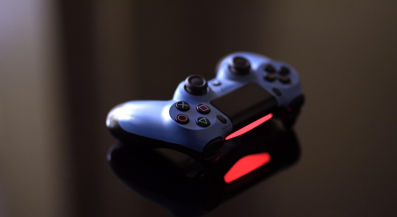 Im vorliegenden Artikel beantworten wir die Frage, warum Computerspiele für jede Altersgruppe interessant sein können. Die Ursachen der Popularität der Spiele verschiedener Typen.