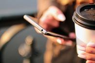 hands, coffee, smartphone