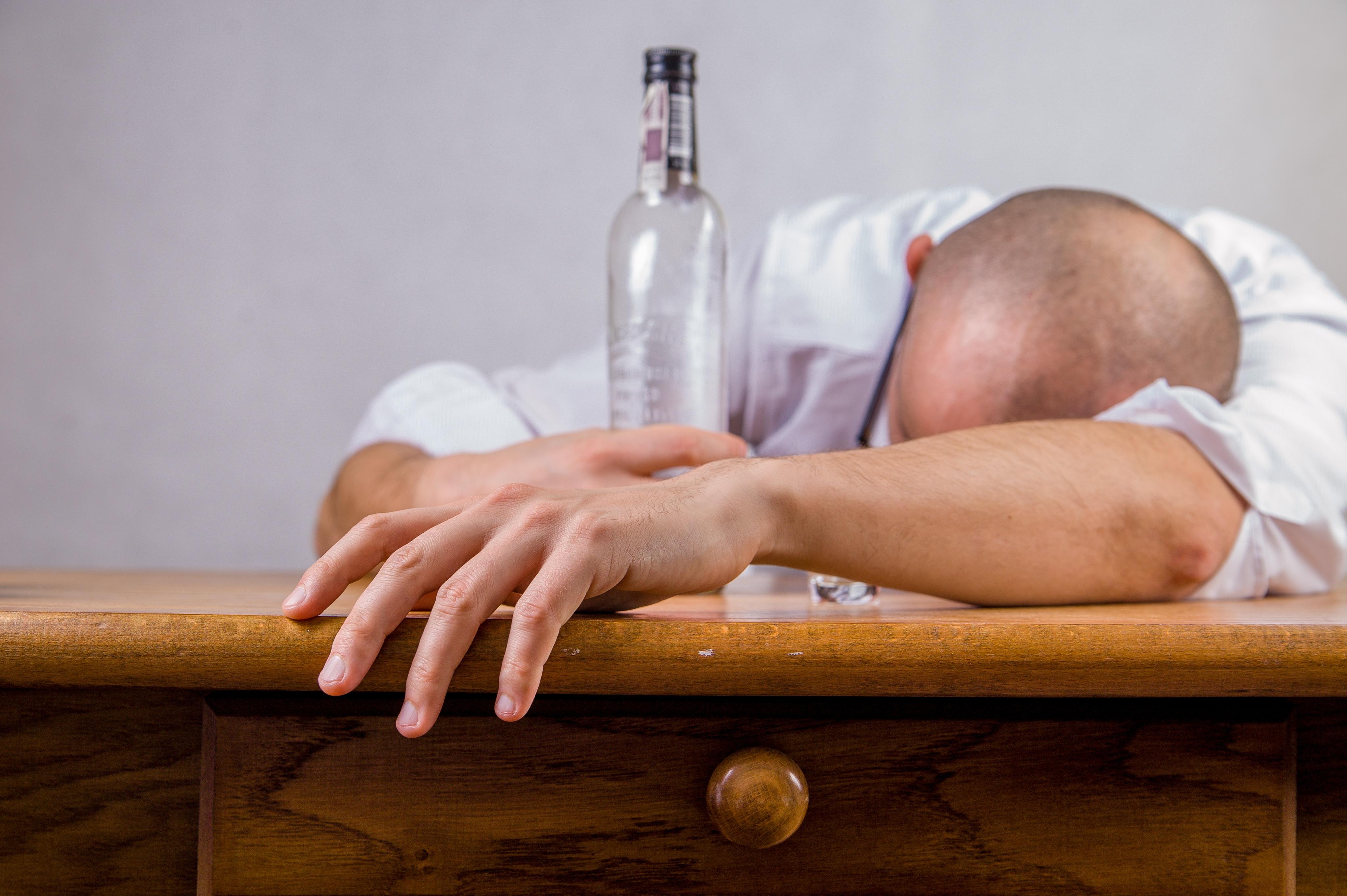 wie merkt man dass man alkoholiker ist