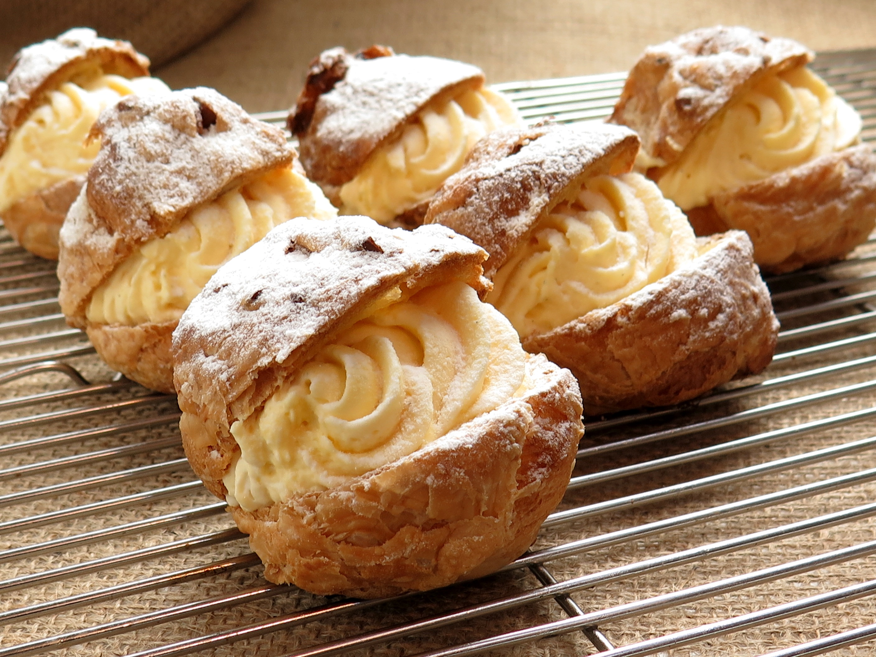 cream-puffs-delicious-france-confectionery-food-52539.jpeg (2816×2112)