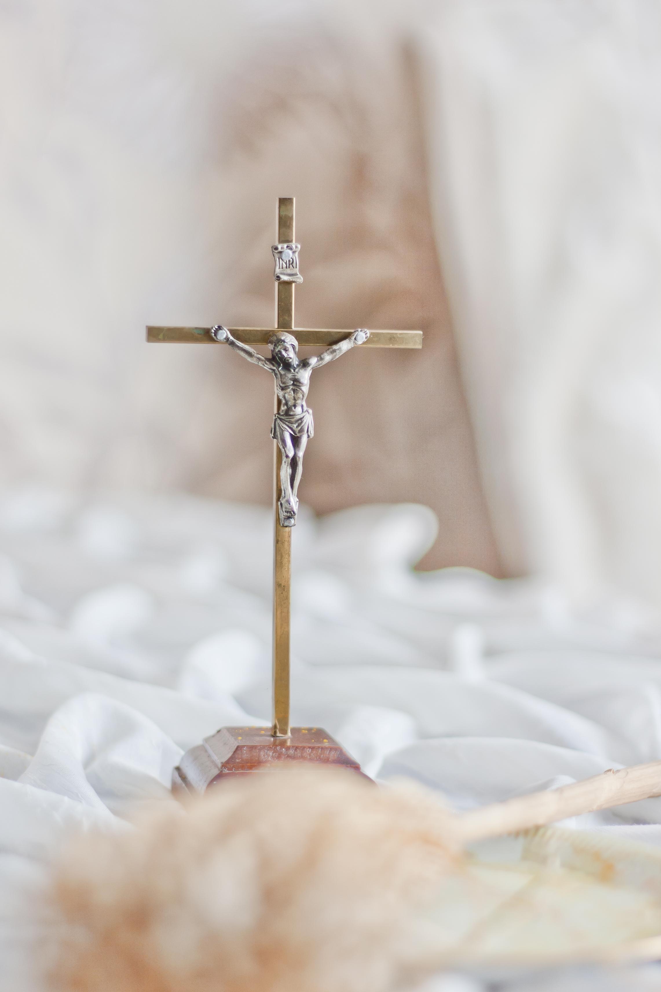 crucifix free stock photo