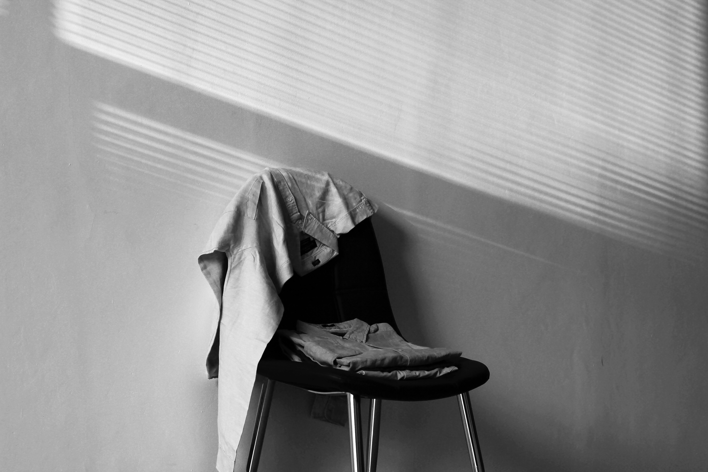 Black and white chair photography - Free Download