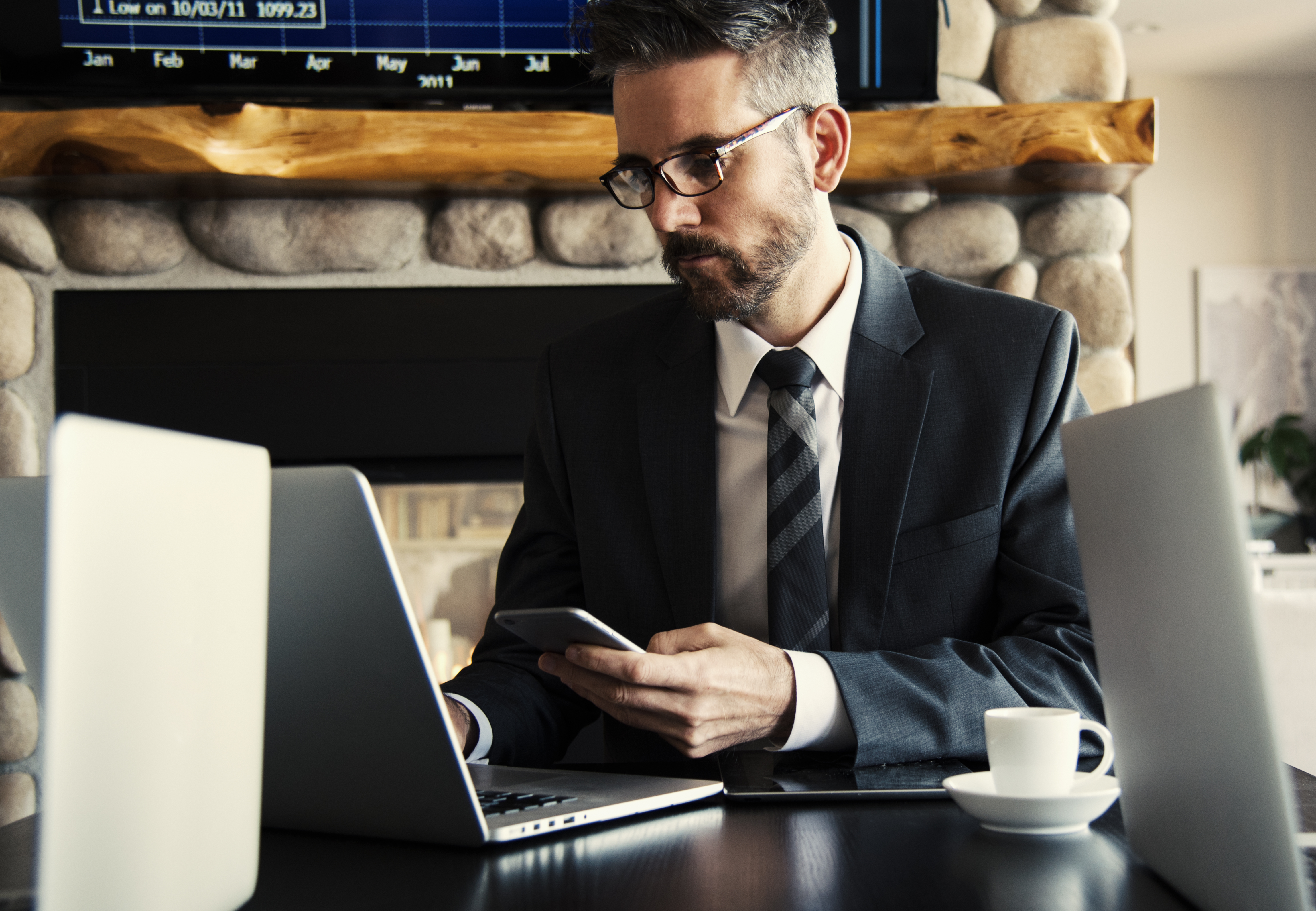the benefits of managing an online business The challenges of growing a business - and how to meet them guide even appoint someone else to act as managing director or chairman welcoming change.