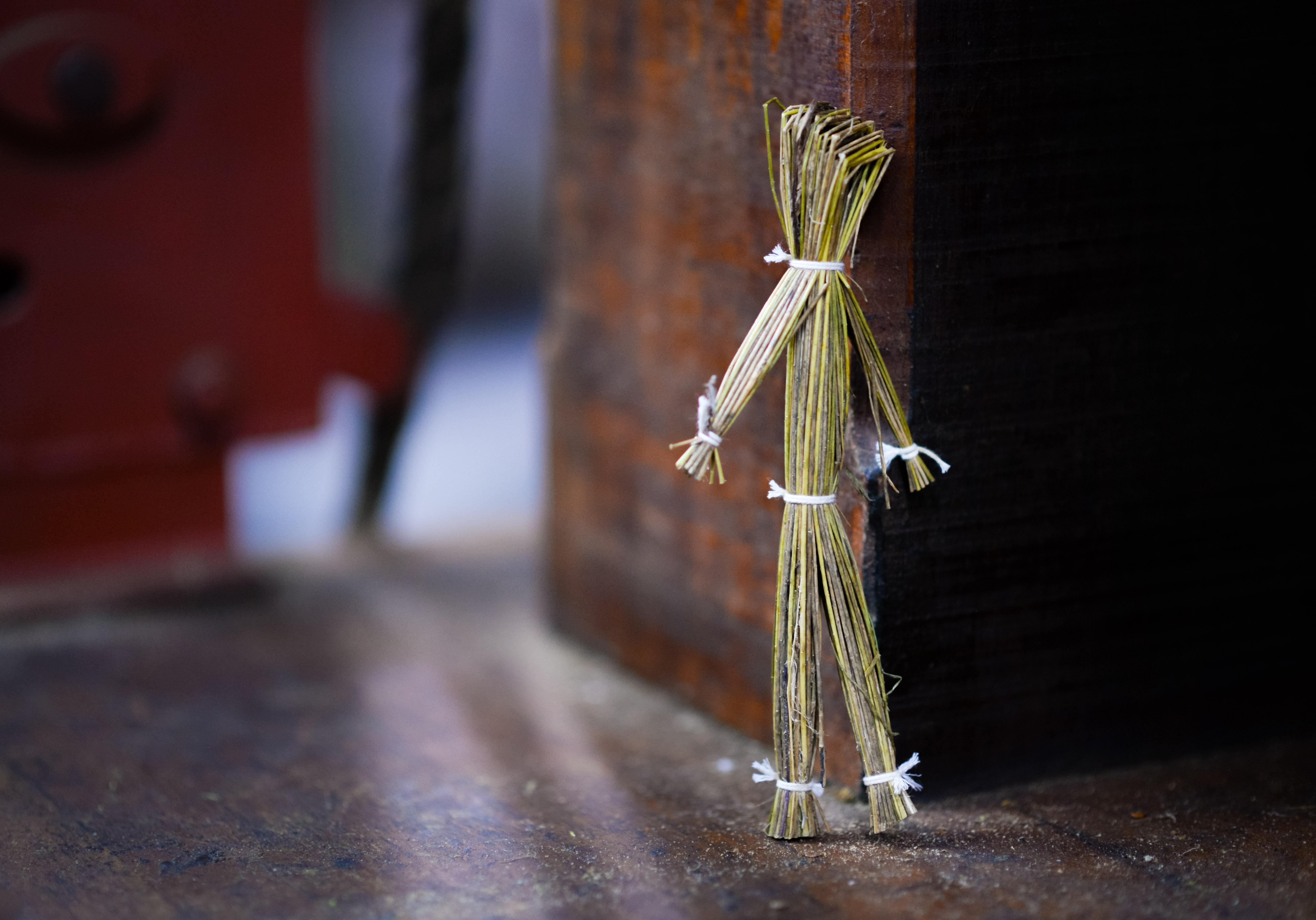 straw-puppet-doll-decoration-630750.jpeg (5366×3749)