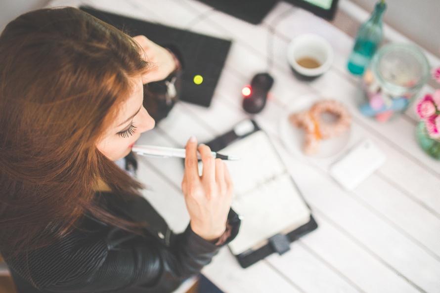 契約社員の志望動機の書き方|職種別例・正社員からなる場合