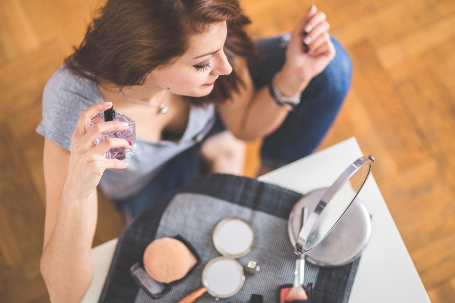 belajar menjadi makeup artist