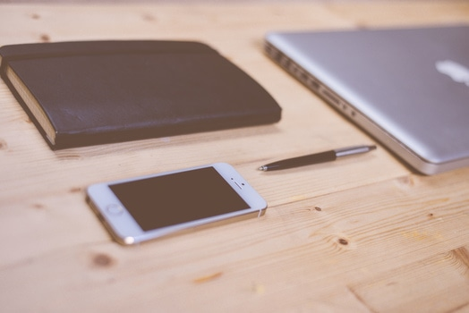 apple, iphone, smartphone, desk