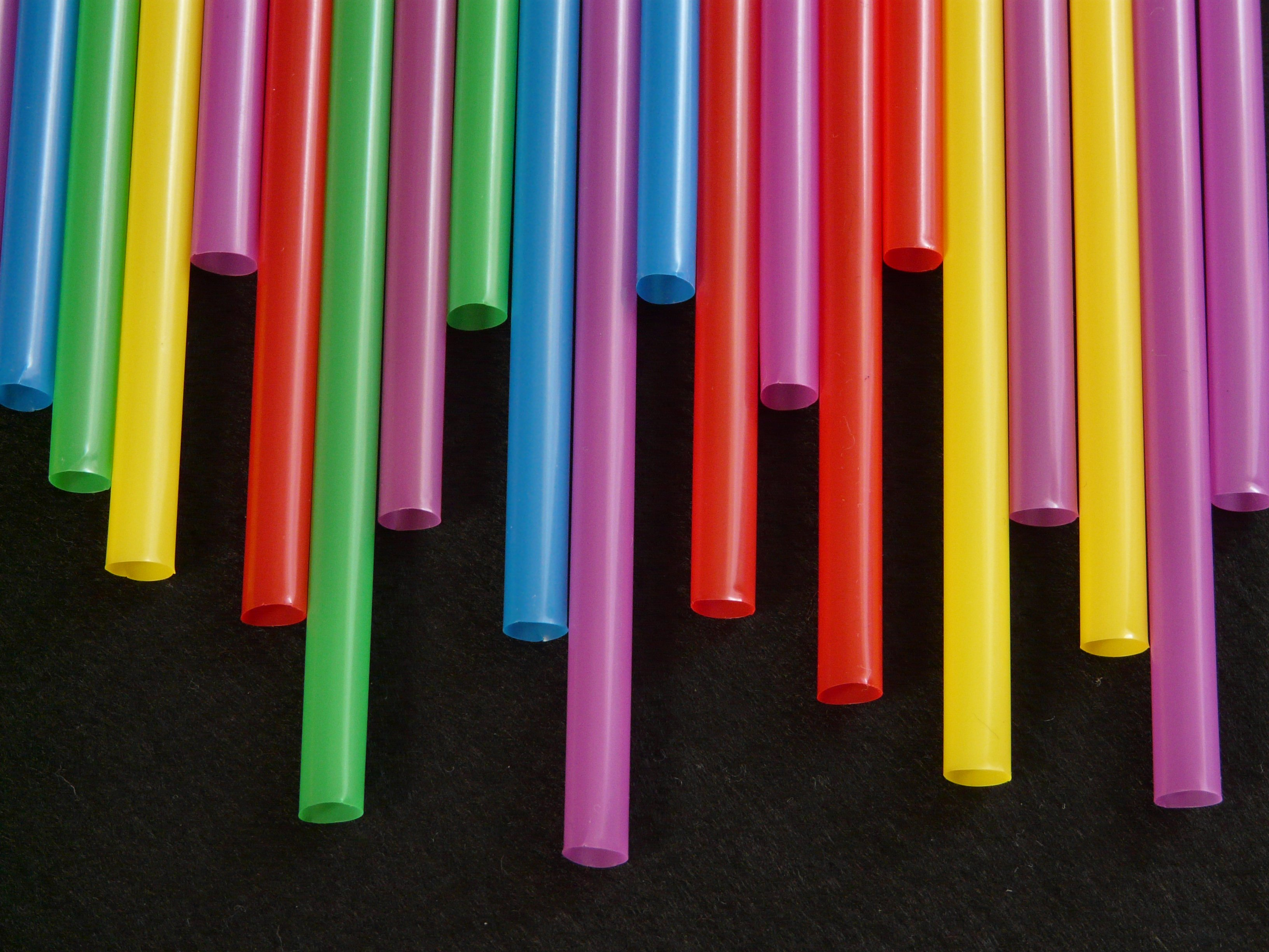 straws-tube-plastic-colorful-65612