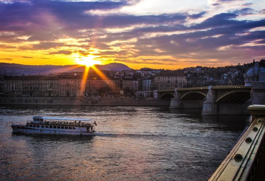 Circuito Praga y Budapest por 357€