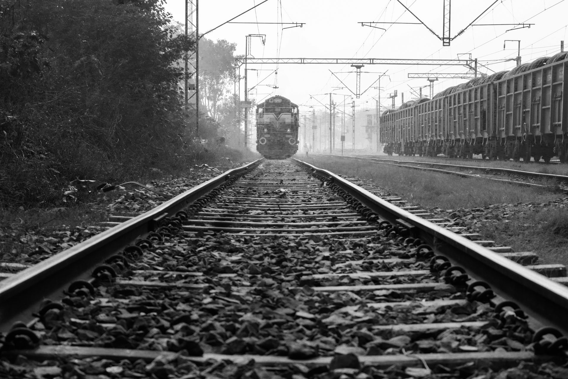 train coming near the train free stock photo