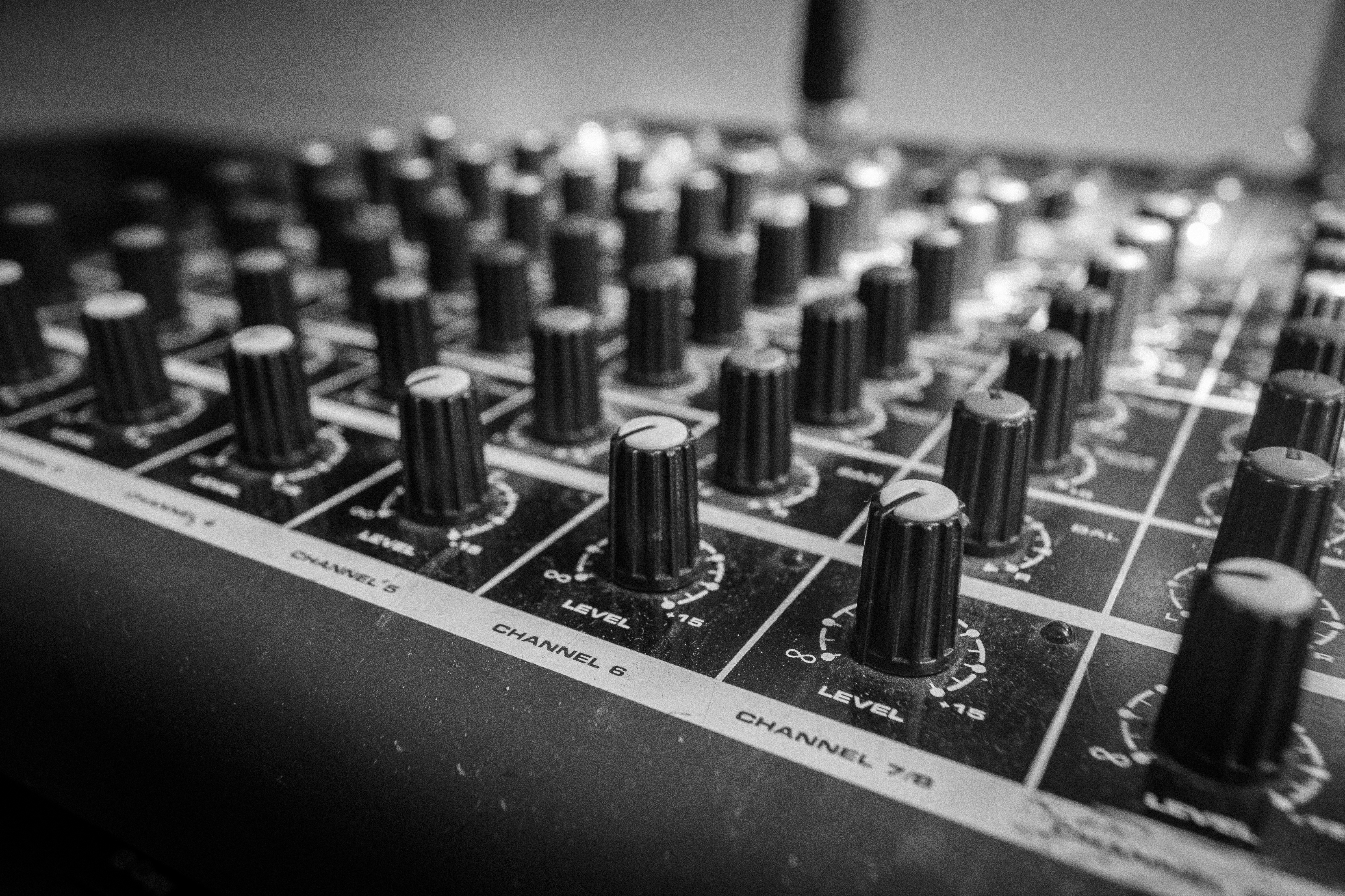 Stock Charts Live: Free stock photo of console live music,Chart