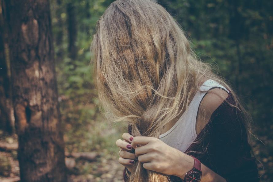 Vaistažolės plaukų priežiūrai, dilgėlės
