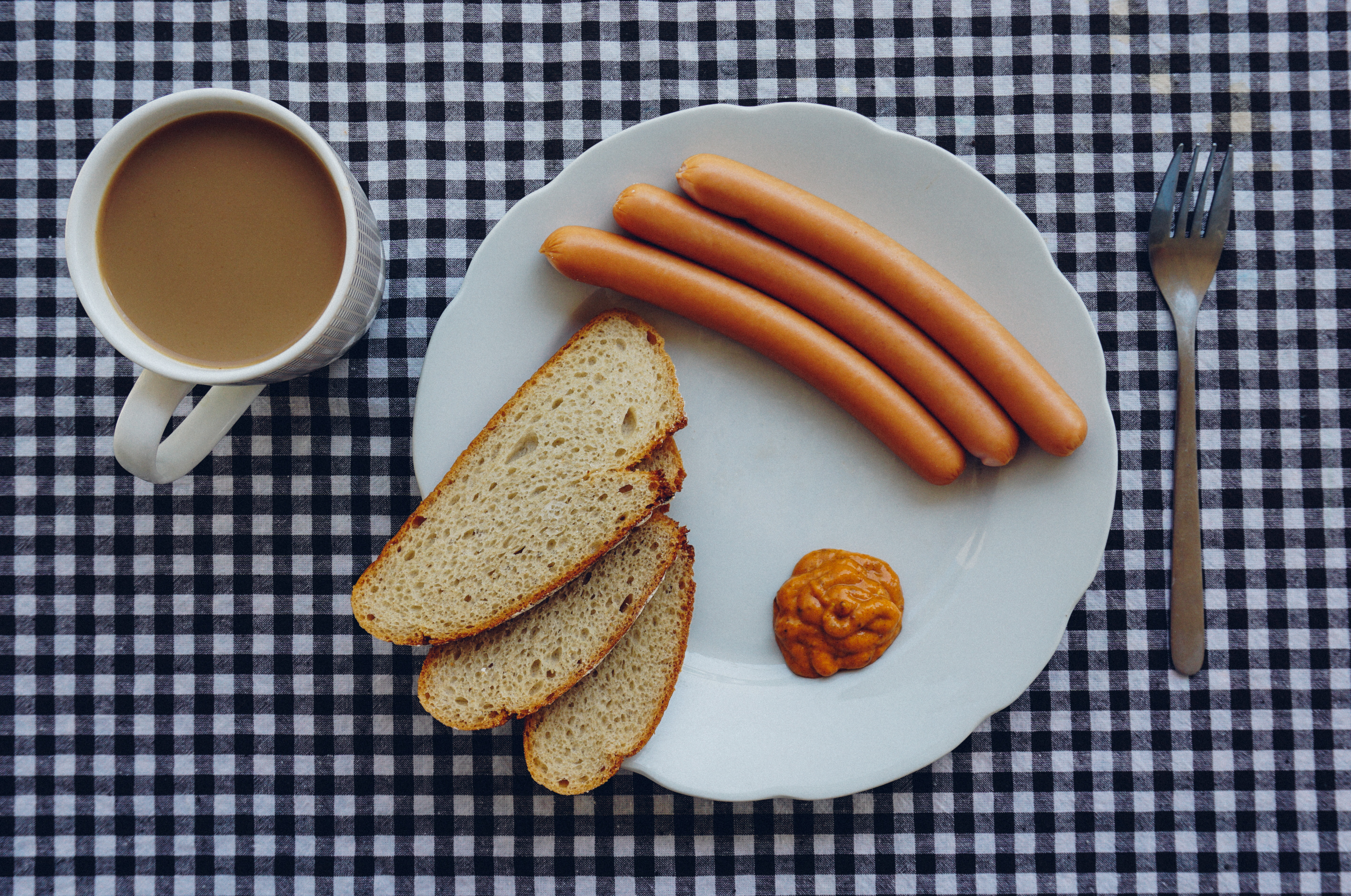 bread-coffee-wurst-breakfest-7789.jpg (5701×3781)