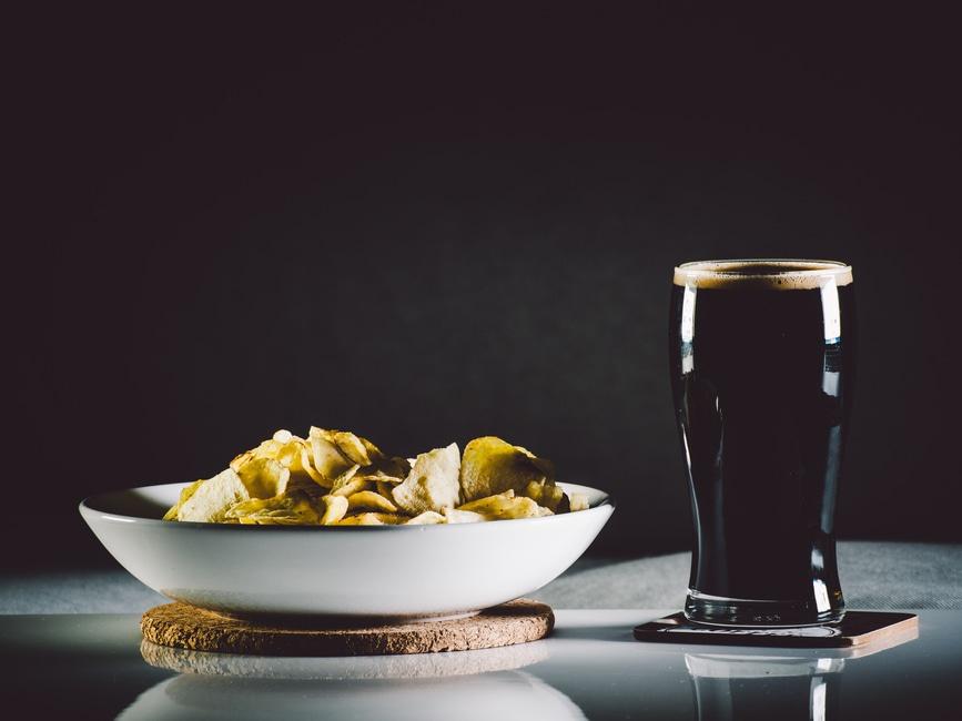 https://www.pexels.com/photo/food-drink-glass-beer-8847/