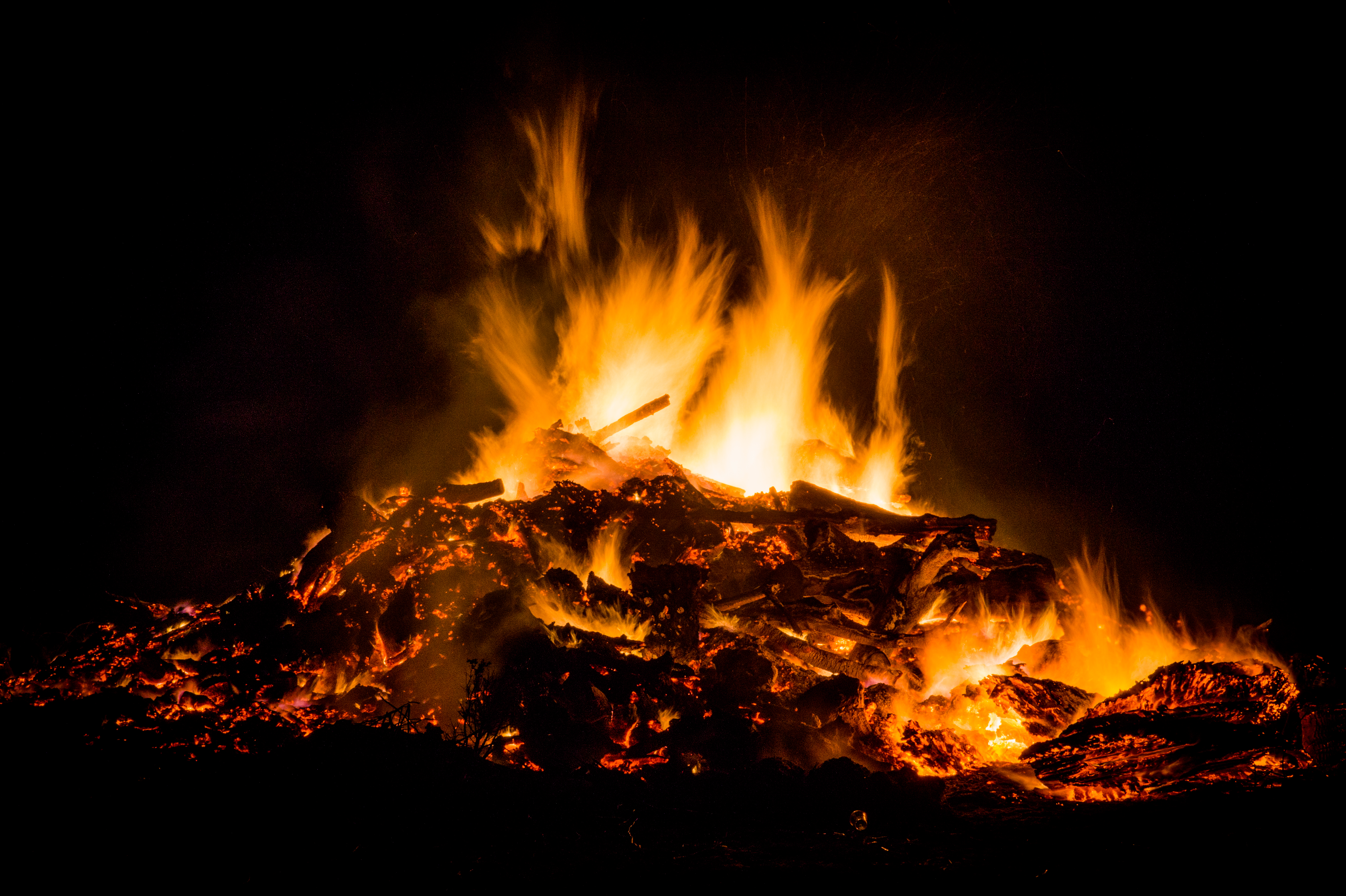 https://static.pexels.com/photos/9334/night-fire-easter-celebration.jpg