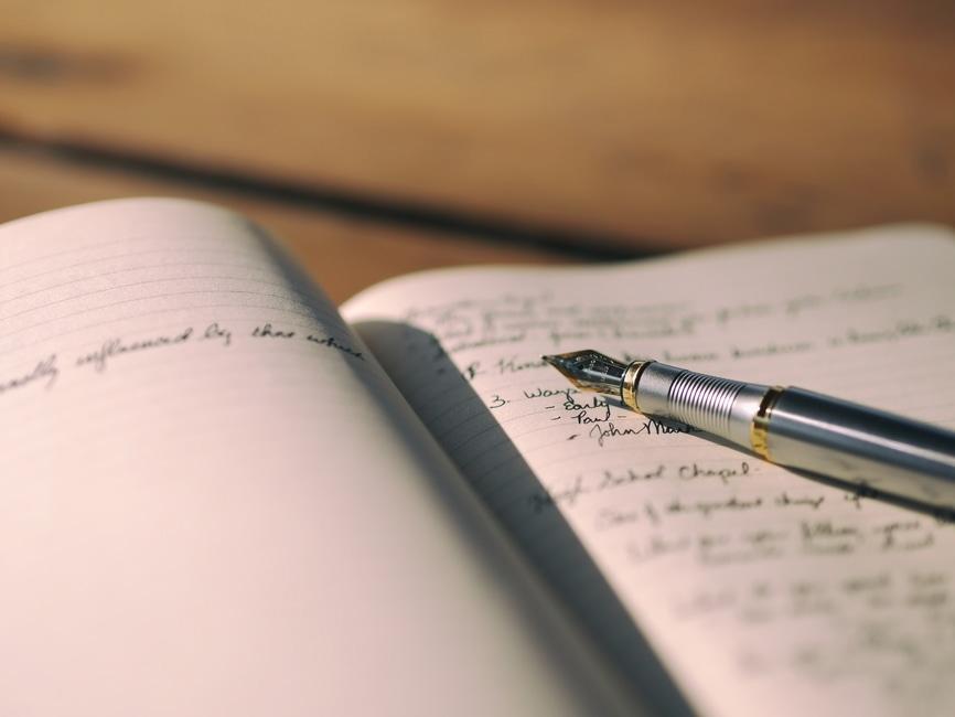 筆記体の書き方と練習方法|2つの使える無料アプリを紹介