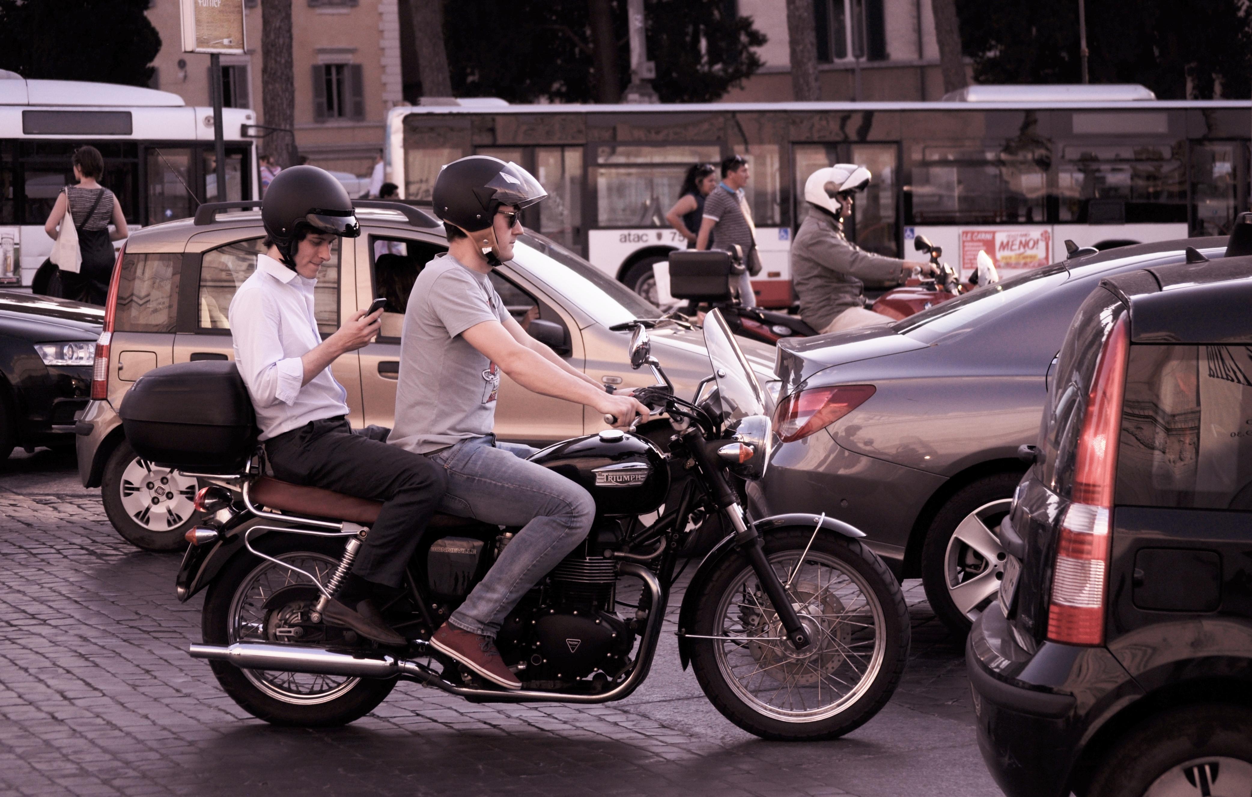 Bike Rider City Driver Driving Mobile Phone Free Photo