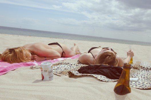 Beach, Drinking, Drinks, Girls